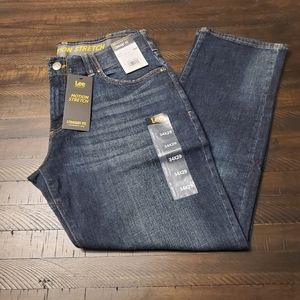 Lee Motion Stretch Straight Fit Tapered Leg Jean